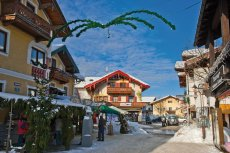 Winterliches Ruhpolding (© World travel images-fotolia.com)